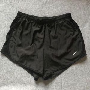 Girls dark gray soft Nike tempo shorts